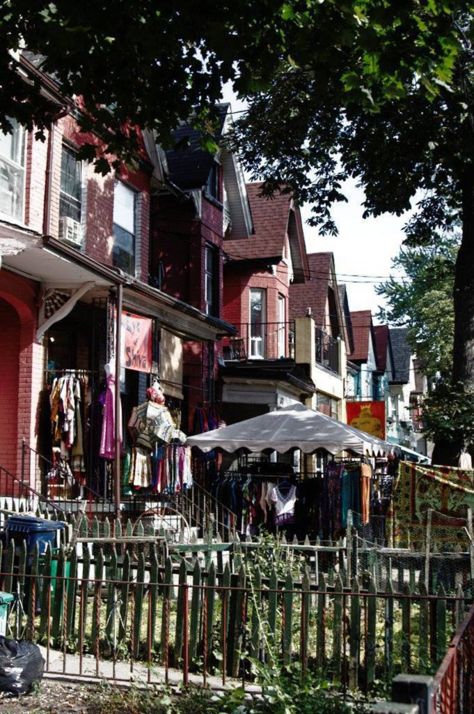 Exploring Toronto Neighborhoods