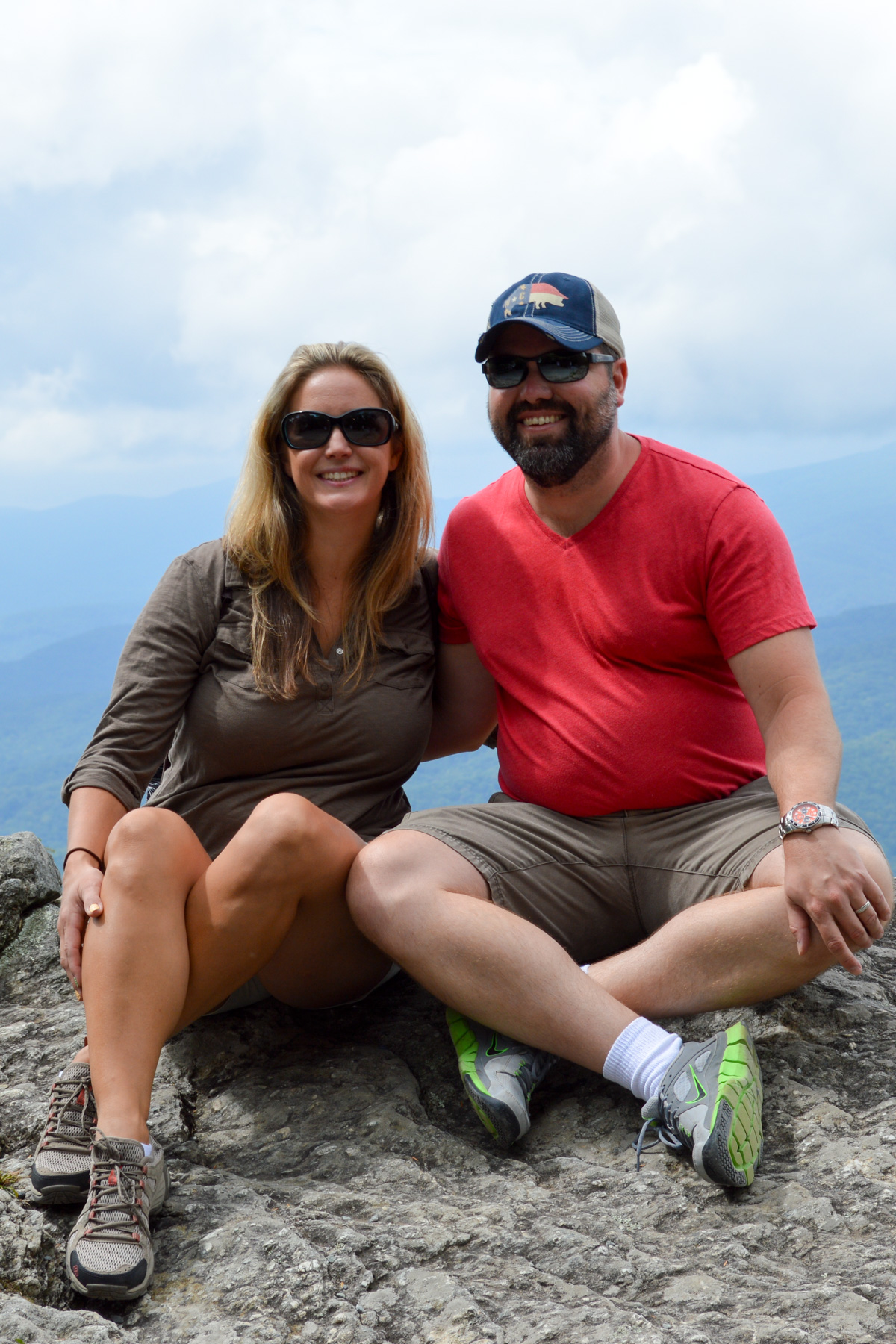 Couples Getaway to Blowing Rock, North Carolina. Blowing Rock has everything you need for a perfect couples weekend away - great restaurants, beautiful scenery, romantic cabins and hotels, and plenty of activities to participate in together.